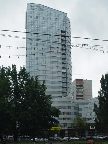 Торгово-офисный центр СТАТУС в гроде Королеве
